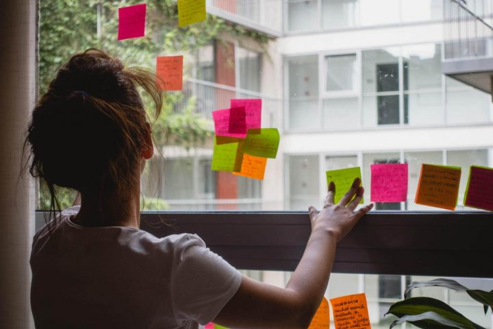 User interviews with post-its