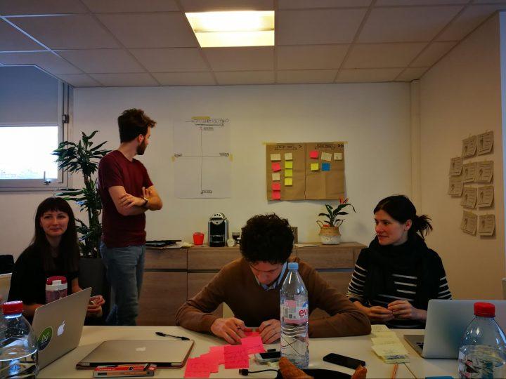 Web designer vs web developer: picture of UX designers